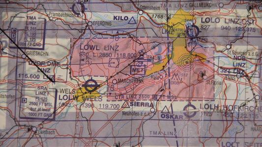 Flugschulung mit ACC Flug | Theorieausbildung, ICAO Luftfahrkarte